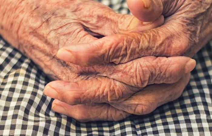 O seniorach, wsparciu i działaniach.