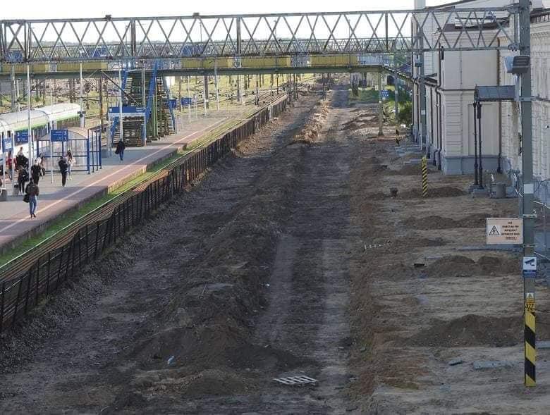 Rail Baltica – pierwszy peron zerwany. Rozpoczął się remont głównego odcinka stacji Białystok